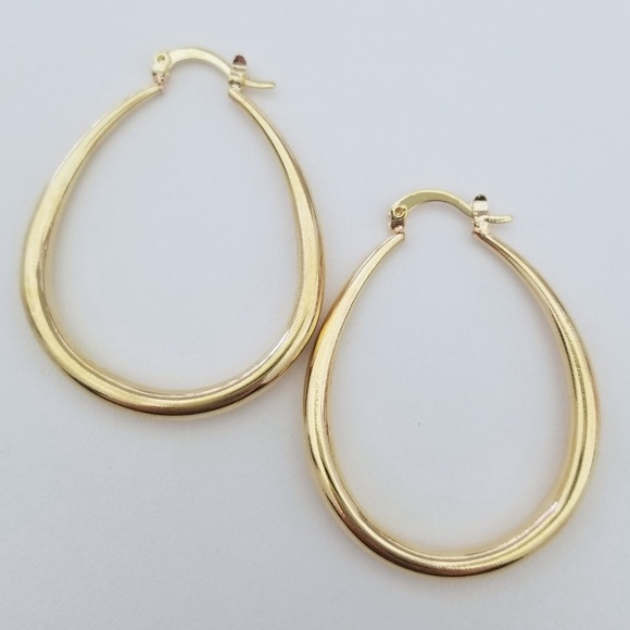 """1.5"""" 18k Yellow Gold Oval Hoops"""